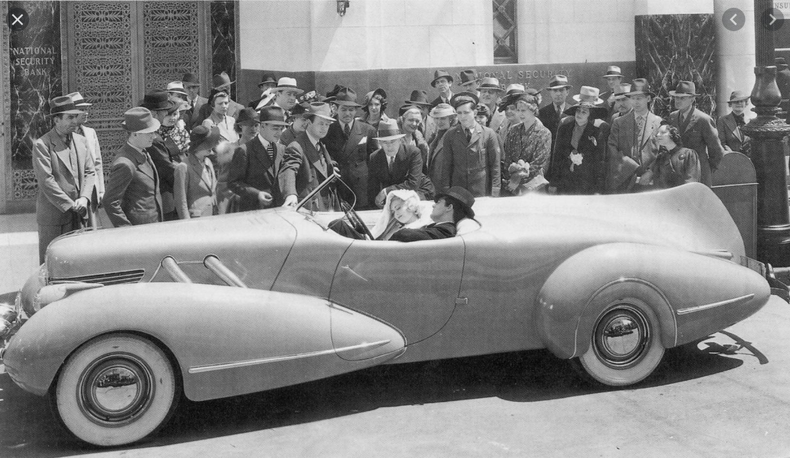 Buick1936with BohmanandSchwartzbodyTopperFilmHughGrant